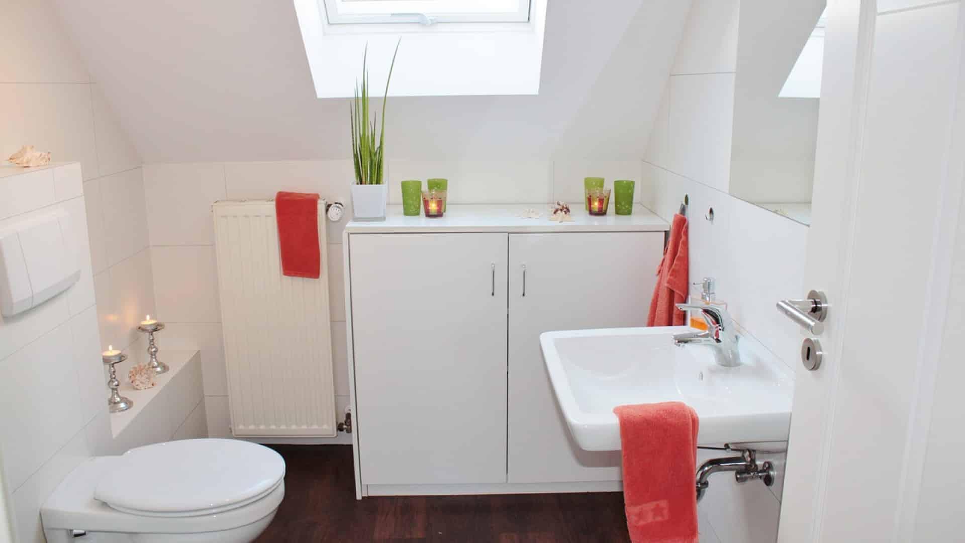 Comment aménager une salle de bain PMR