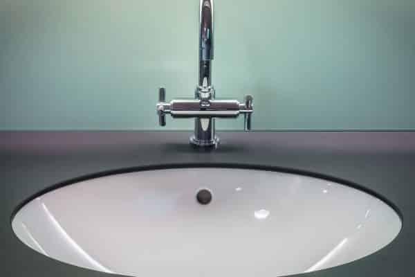 Un meuble double vasques pour faciliter le quotidien