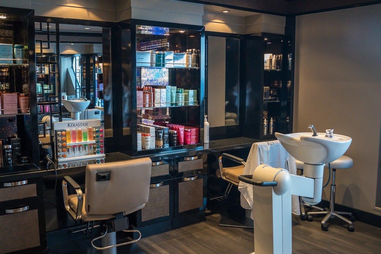 Comment bien choisir un bac coiffure?